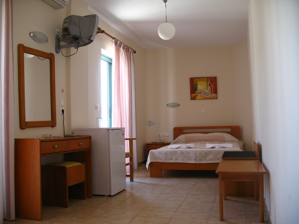 Hotel Ageri Room